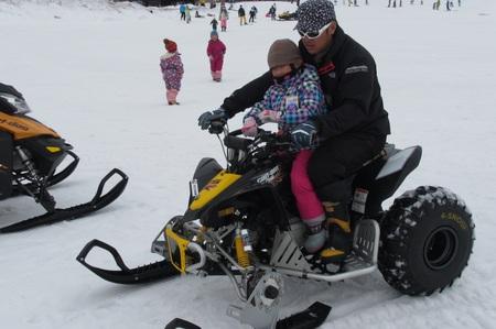 DS90スキー乗車.jpg